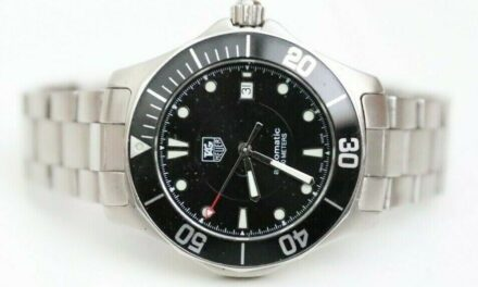 Tag Heuer Aquaracer 2000 Series Automatic Black and Steel Watch