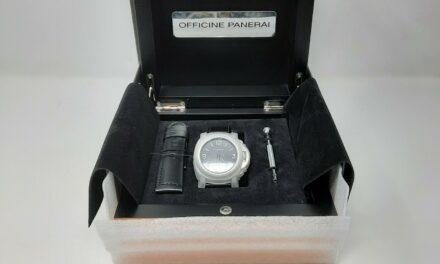 Panerai Luminor Base Logo PAM000 44mm Box & Papers Watch